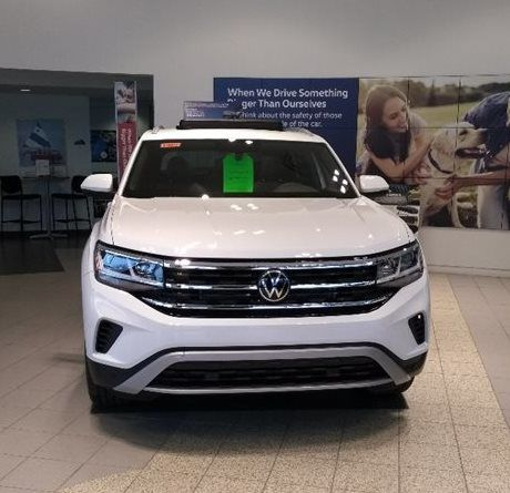 2020 Volkswagen Atlas Cross Sport SE with Technology with 4MOTION®